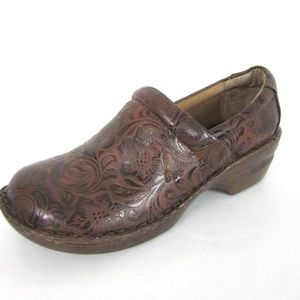 BOC Peggy Tooled Faux Leather Brown Clogs 11 10.5
